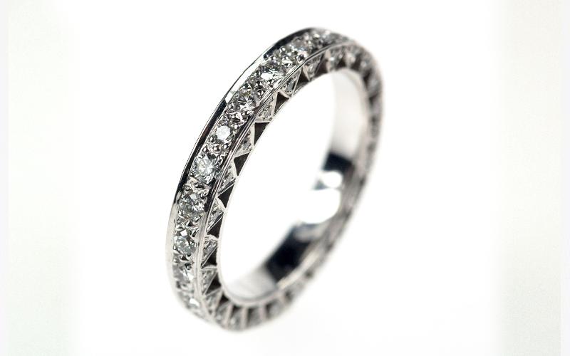 Exclusieve allianceringen, in platina met diamanten gemaakt door edelsmid.